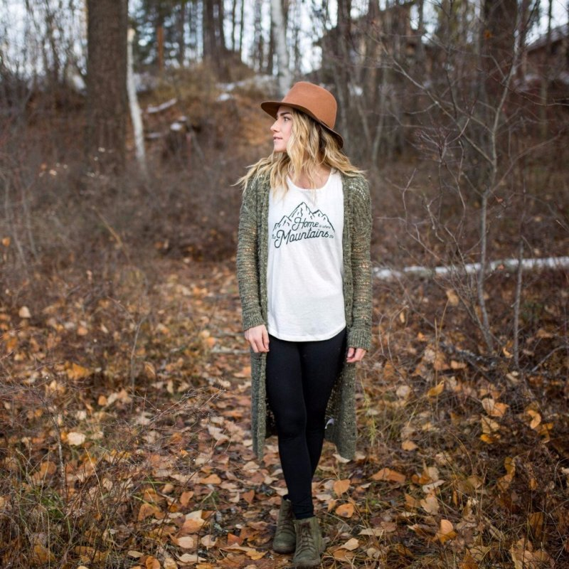 Home is where the Mountains Are Flowy Tee from The Montana Scene | Montana Laura Blog | J. Vigil Photography